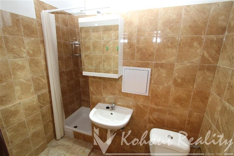 Krásný byt s výhledem, OV, 1+kk, 23m2, Praha 8, metro B Ládví, Kobylisy