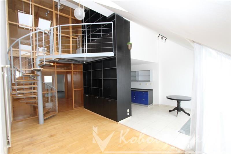Exklusivně slunný, mezonetový, 3+1/2x terasa, 110m2, Praha 8, ulice Ronkova