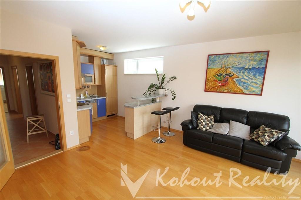 Exklusivně slunný, klidný byt o velikosti 2+kk(64m2)+terasa, Praha 10, Strašnice