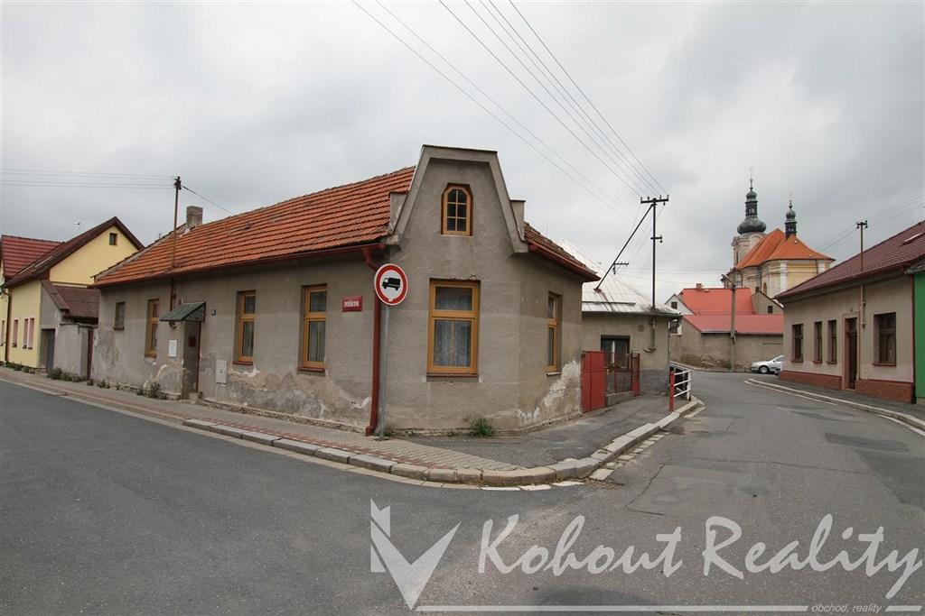 Exklusivně slunný RD o velikosti byt 2+1, 98m2, (možno až 4+1)+ garáž 13m2, centrum Uhlířské Janovice