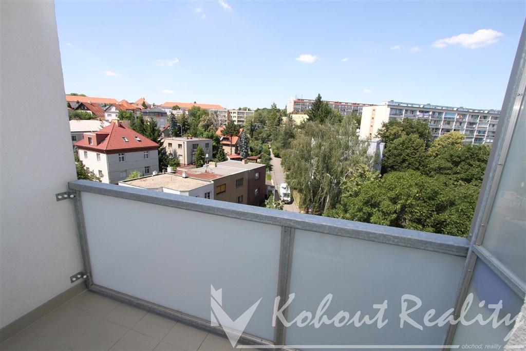 Exklusivně slunný, klidný, zrekonstruovaný, OV byt 2+1/L, 57m2, metro B Kobylisy, Praha 8, Koštálkova
