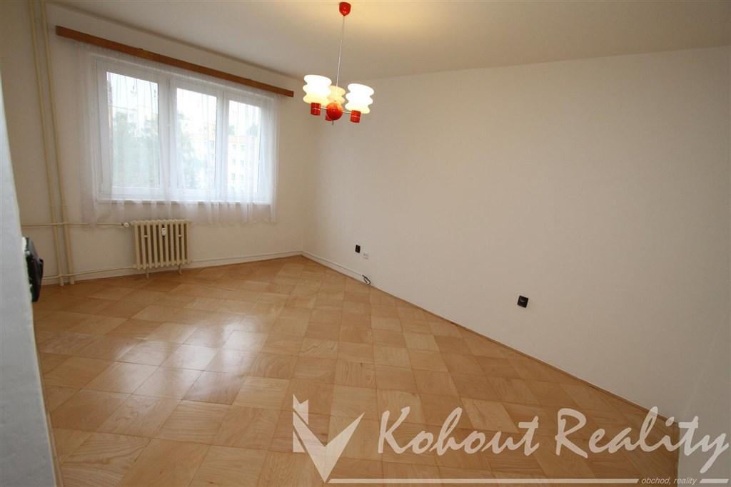 Exklusivně slunný, klidný, volný, byt 2+1, Praha 10, ulice Ovčárská