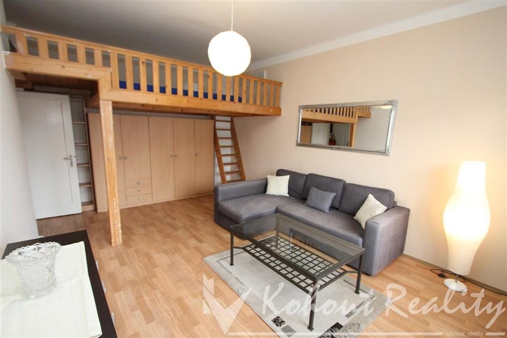 Prostorný 2+kk, 50 m2/prostorné patro na spaní - cihla, ul. Jíčínská P-3, Žižkov