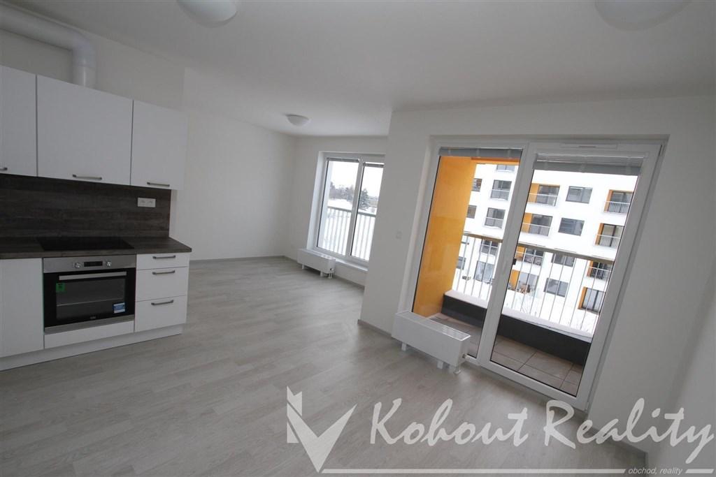 Exklusivní byt v novostabě 2+kk/L, 60m2 + garážové stání v domě P10, Uhříněves, ulice Oty Bubeníčka