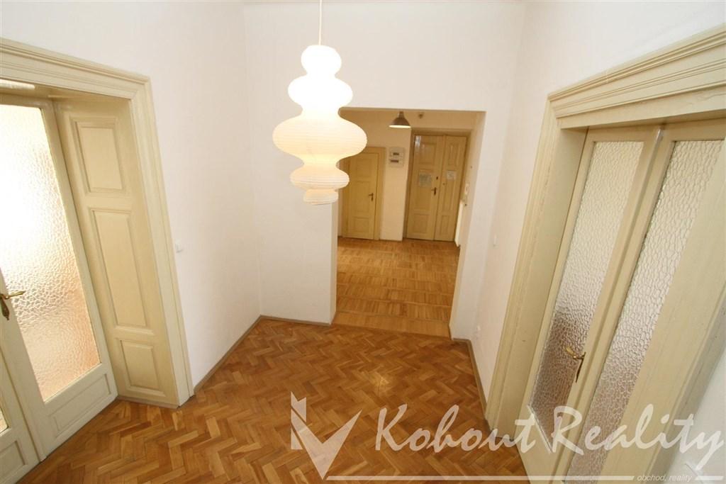 Exklusivně velký byt 3+1 s halou, 100m2, Praha 8, Karlín, ulice Karlínské náměstí