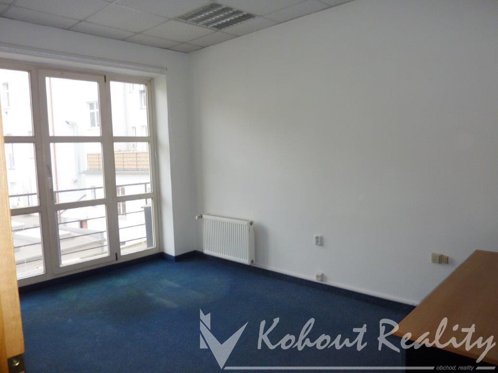 Atraktivní Nebytový prostor 61,1m2 -  3 kanceláře + příslušenství, Praha 10 Strašnice