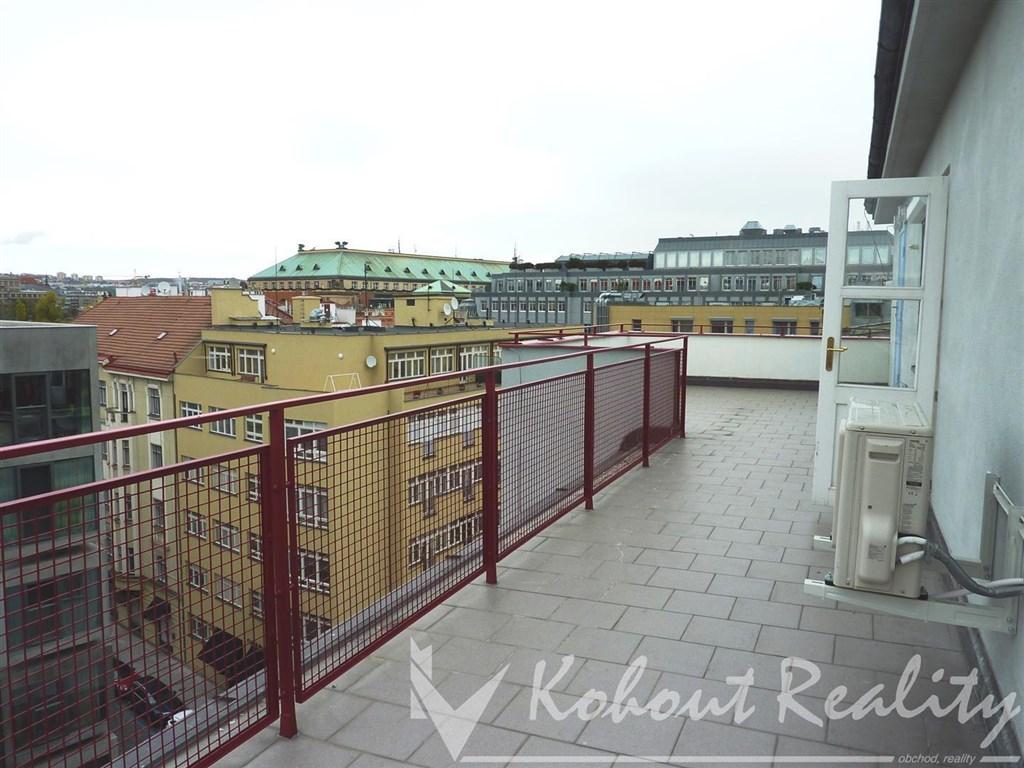 Byt přímo v centru Prahy 2+kk.45m2 + 50m2 Terasa, Praha 1 Nové město